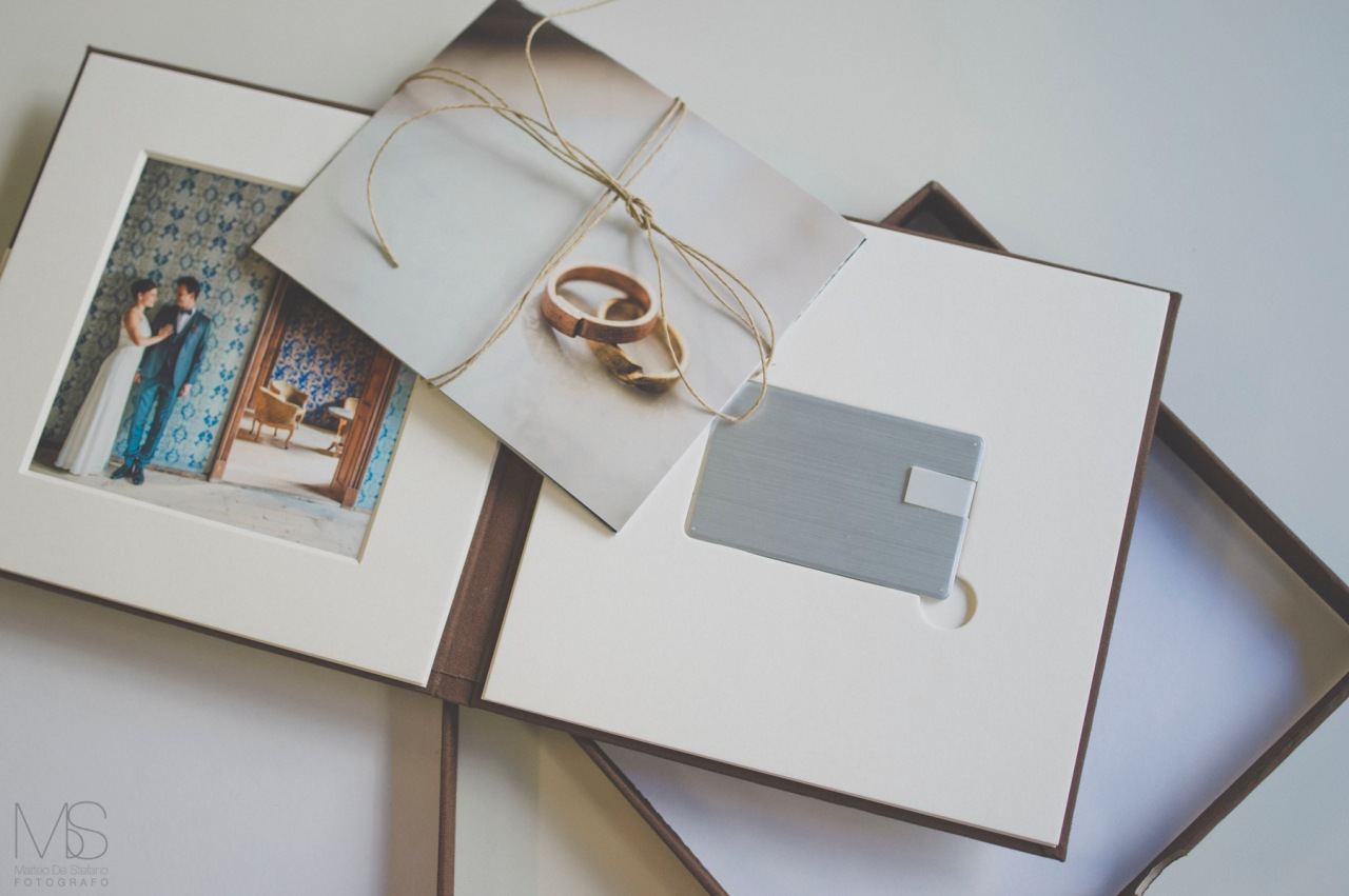 cofanetto usb, chiavetta usb , cofanetto matrimonio, chiavetta personalizzata matrimoni, usb wooden box
